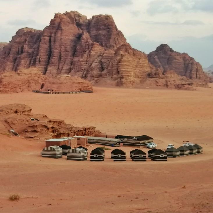 dormire campo tendato wadi rum giordania