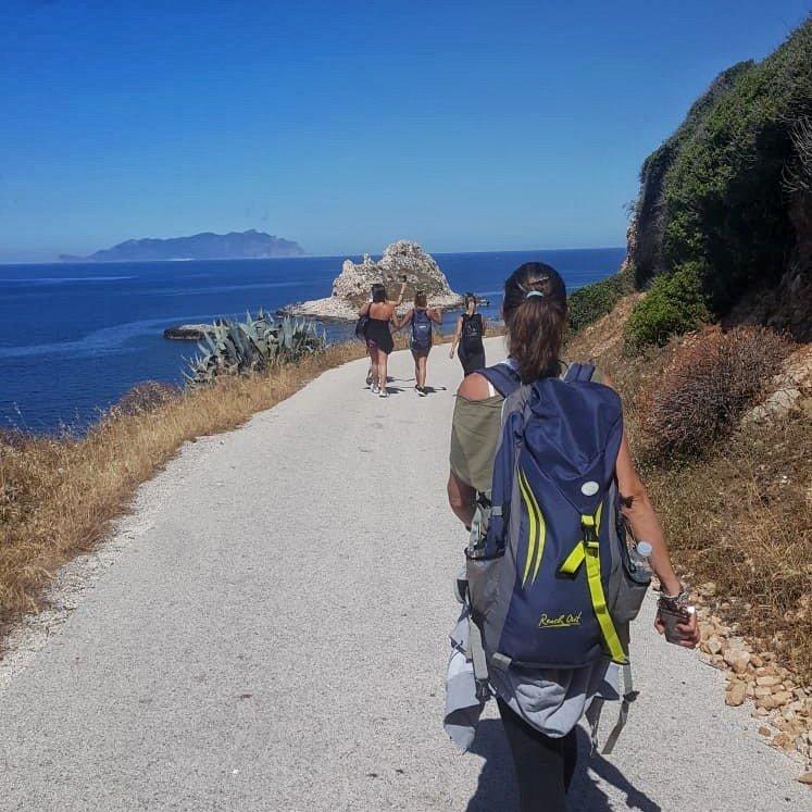 Levanzo trekking